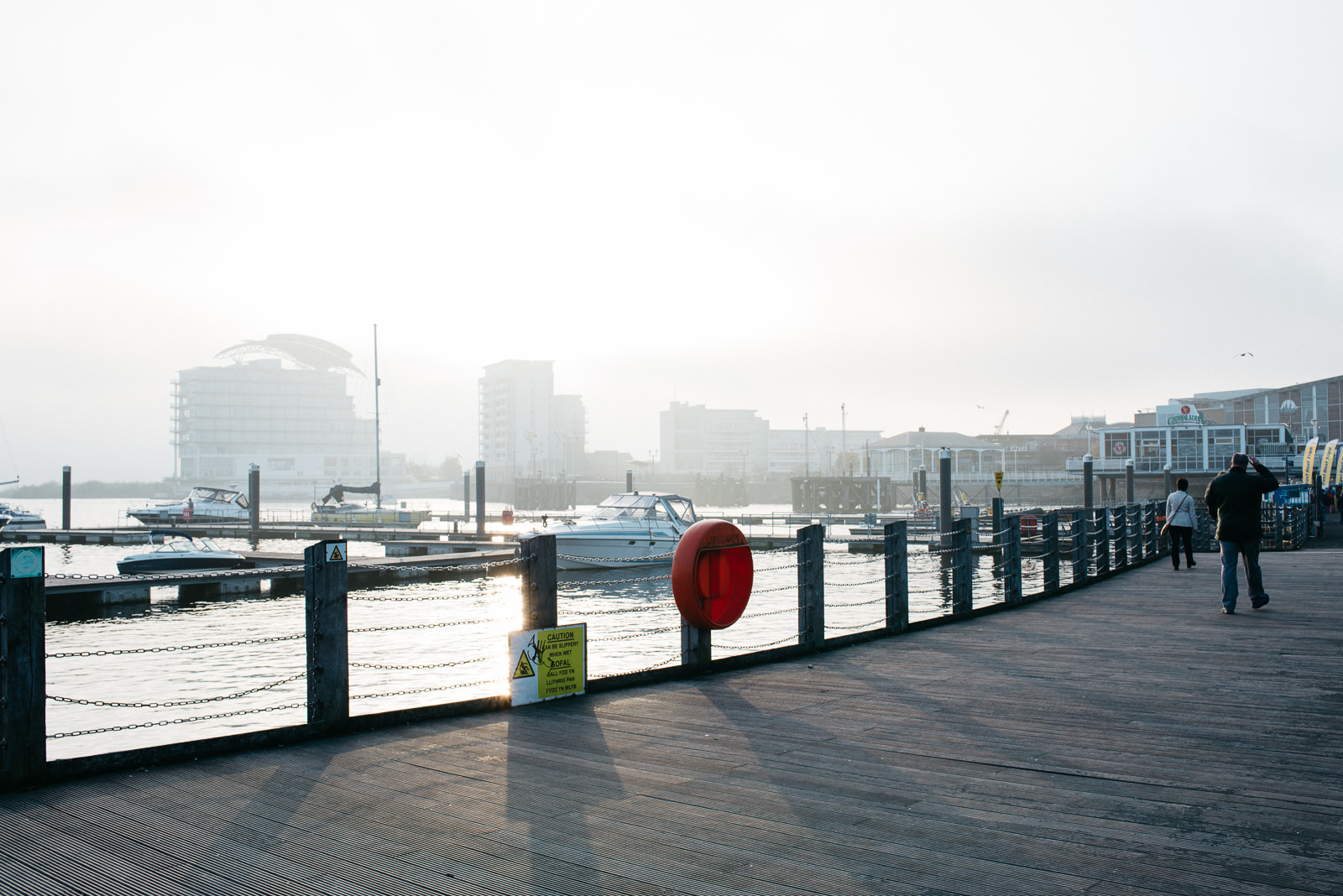 Cardiff bay engagement // Elaine Williams Photography