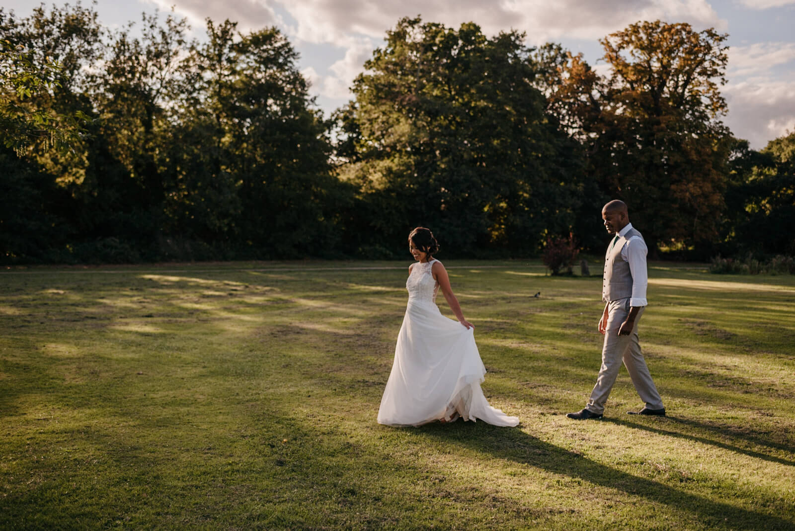 couple strolling through Belair Park in West Dulwich
