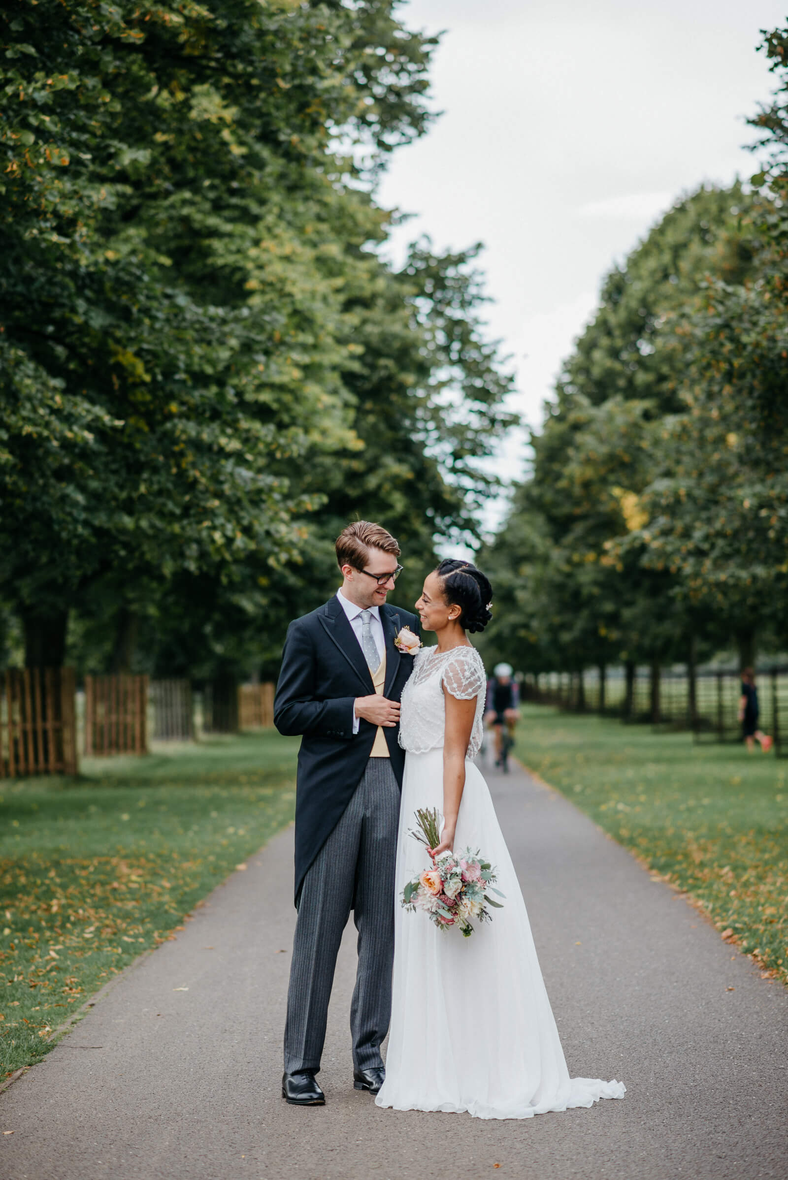bride and groom portrait in Bushy Park