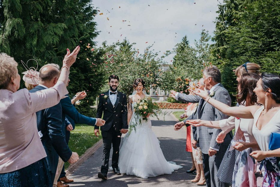 Awesome confetti throw at a summer wedding